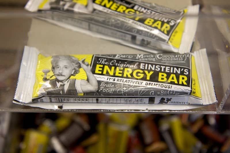 Energy Bars or Gronola Bars: Top kickboxing food to eat in the morning before kickboxing