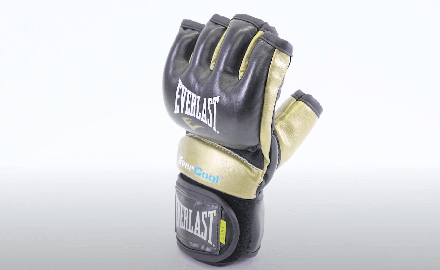 Front view of the everlast everstrike multi purpose gloves